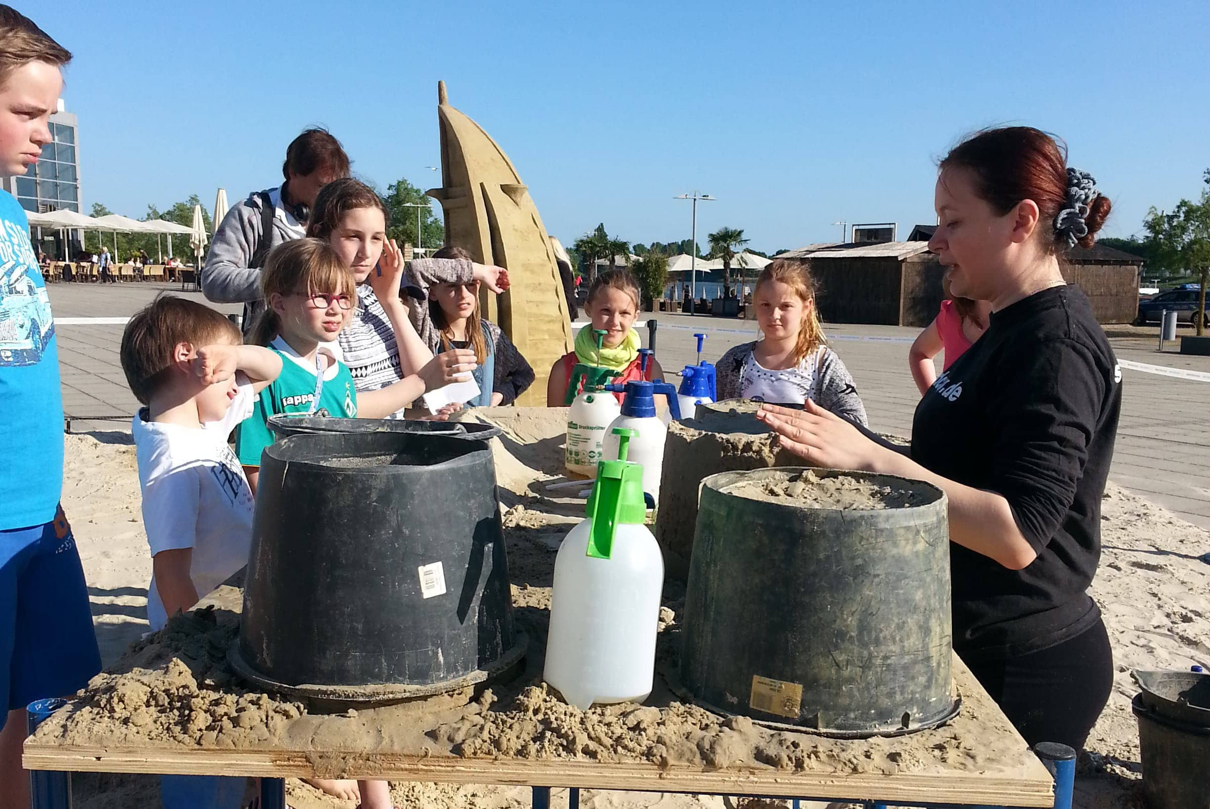 Sand sculptures are an outstanding medium for teambildung processes