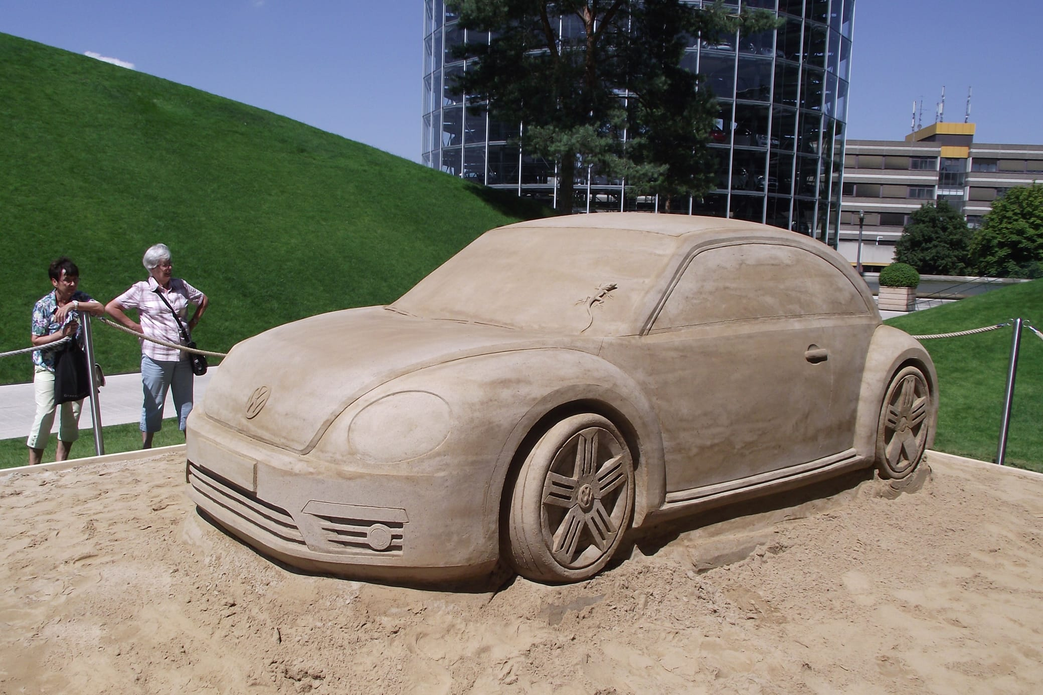Sand sculptures as a marketing instrument